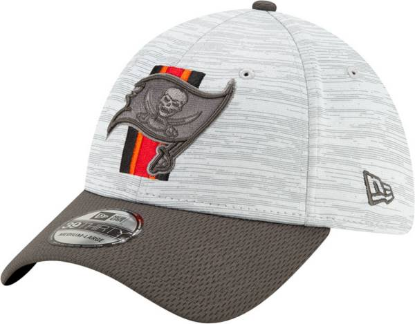 New Era Men's Tampa Bay Buccaneers Grey Sideline 2021 Training Camp 39Thirty Stretch Fit Hat product image