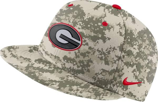 Nike Men's Georgia Bulldogs Camo Fitted Baseball Hat product image