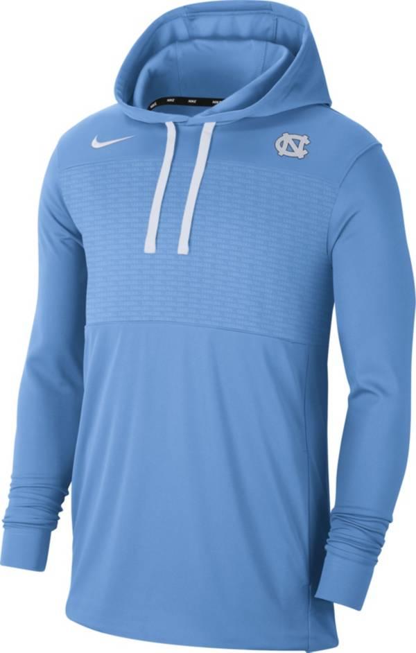 Nike Men's North Carolina Tar Heels Carolina Blue Lightweight Pullover Hoodie product image