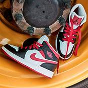 Jordan Air Jordan Kids Grade School 1 Mid Shoes product image