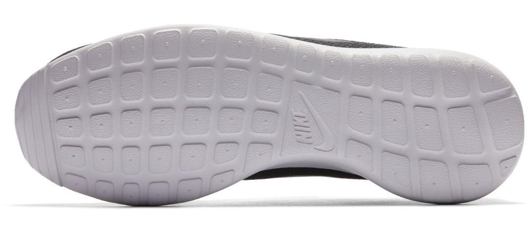 the best attitude ecb62 564f6 Nike Men s Roshe One Shoes 2
