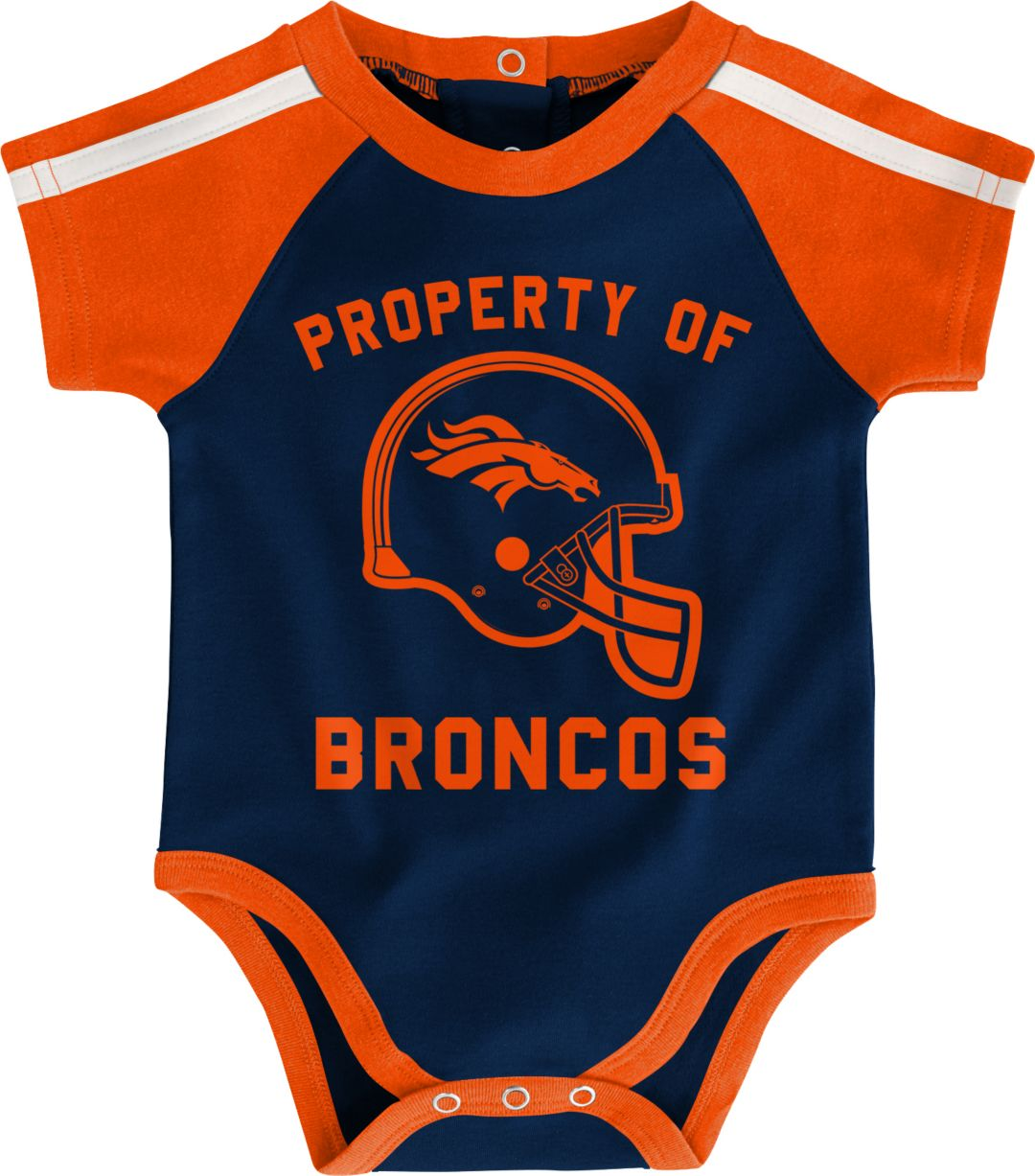 online store 28f83 7ab78 NFL Team Apparel Infant Denver Broncos Bib/Booties Set
