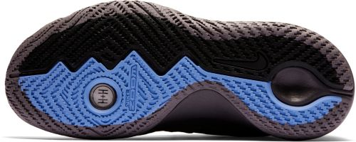 cf1aee0a9851 Nike Men s Kyrie Flytrap Basketball Shoes