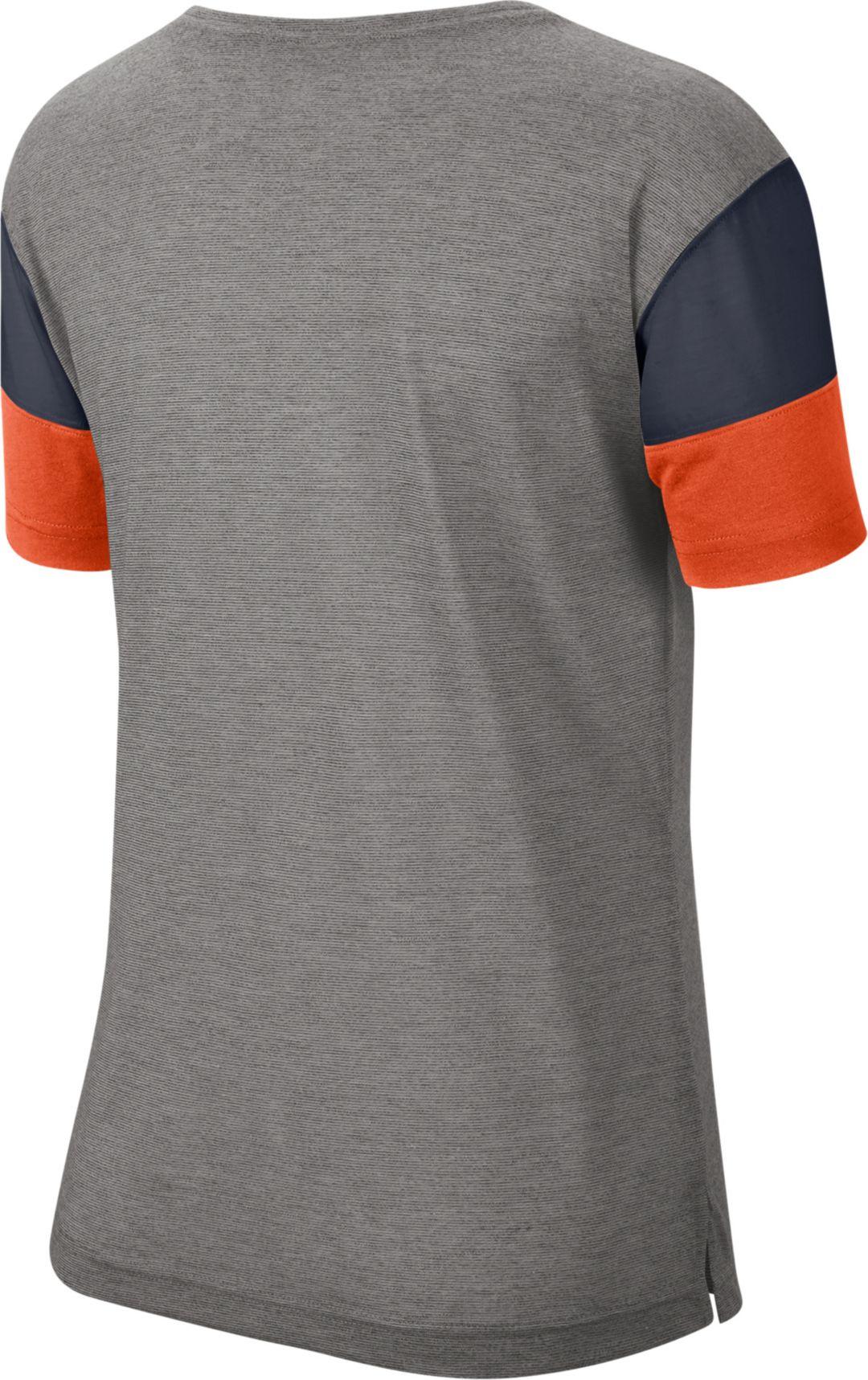 new style 92f17 a395f Nike Women's Chicago Bears Breathe Heather Grey V-Neck T-Shirt