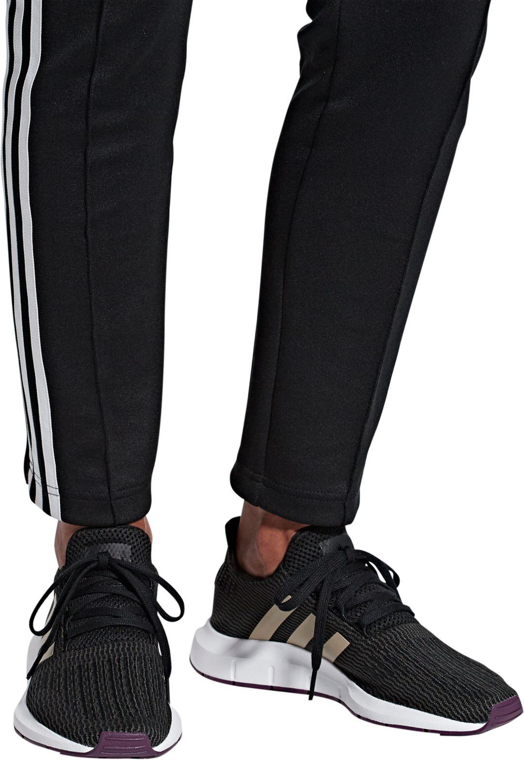 fb4ae63e70d9c adidas Originals Women s Swift Run Shoes 3