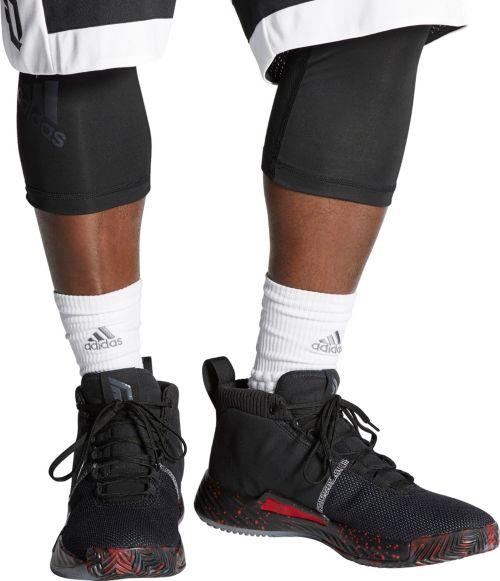 timeless design a7ac5 258e7 adidas Men s Dame 5 Basketball Shoes