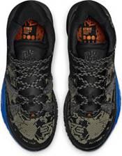 Nike Kyrie 7 Basketball Shoes product image