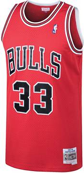 Mitchell & Ness Men's Chicago Bulls Scottie Pippen #33 Swingman Jersey product image