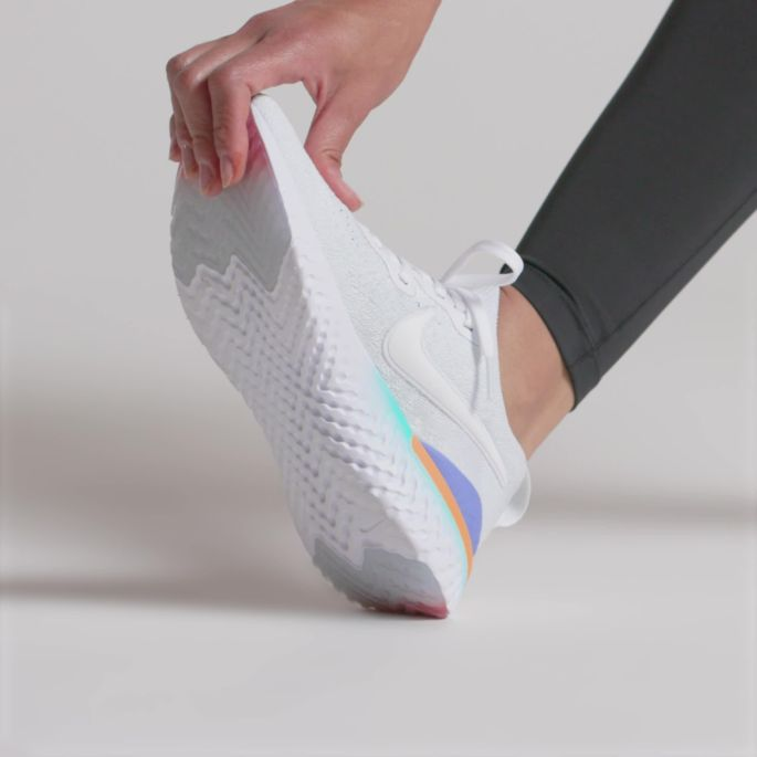 the latest 9f58c 8c3a5 Nike Women's Epic React Flyknit 2 Running Shoes