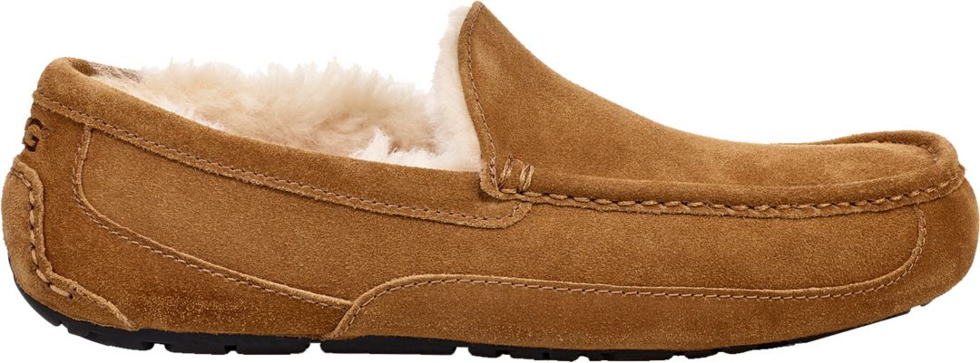 792512e5787 UGG Men s Ascot Slippers 1