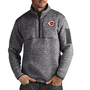 Antigua Men's Cincinnati Reds Fortune Grey Half-Zip Pullover