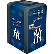 Boelter New York Yankees 15q Portable Party Refrigerator