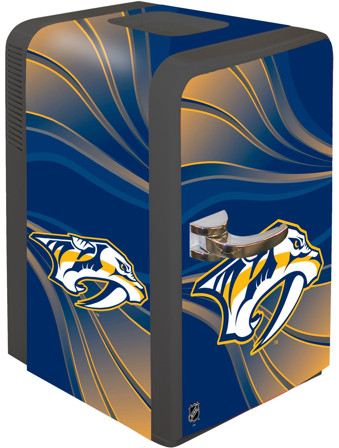 Boelter Nashville Predators 15q Portable Party Refrigerator