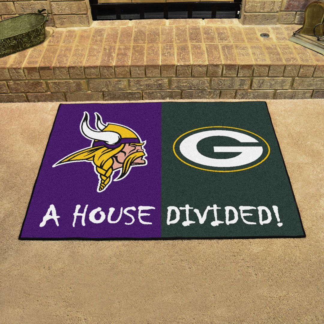 FANMATS Minnesota Vikings Green Bay Packers House Divided Mat