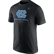Jordan Men's North Carolina Tar Heels Black University ELITE Basketball T-Shirt