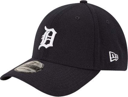 New Era Men s Detroit Tigers 39Thirty Classic Navy Stretch Fit Hat.  noImageFound 07b07d387f5