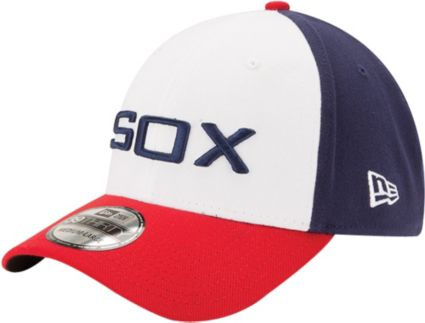 New Era Men s Chicago White Sox 39Thirty Alternate Classic White Stretch  Fit Hat. noImageFound 47678d4205d