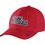 Nike Men's Ole Miss Rebels Red Vapor Sideline Swoosh Flex Hat