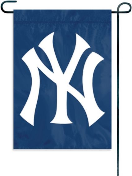 Party Animal New York Yankees Garden Window Flag