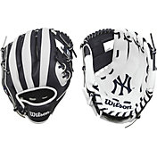 "Wilson 10"" A200 New York Yankees T-Ball Glove"