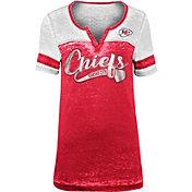 New Era Women's Kansas City Chiefs Foil Burnout V-Neck T-Shirt