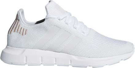 newest ceb4c cba0e adidas Originals Women  39 s Swift Run Shoes