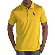 Antigua Men's Wyoming Cowboys Gold Quest Polo