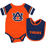 Colosseum Infant Auburn Tigers Blue Roll-Out Onsie And Bib Set