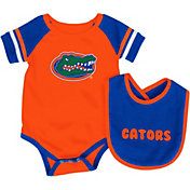 Colosseum Infant Florida Gators Blue Roll-Out Onsie And Bib Set