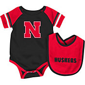 Colosseum Infant Nebraska Cornhuskers Red Roll-Out Onsie And Bib Set