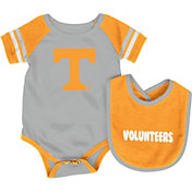 Colosseum Infant Tennessee Volunteers Roll-Out Onsie And Bib Set