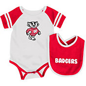 Colosseum Infant Wisconsin Badgers Roll-Out Onsie And Bib Set