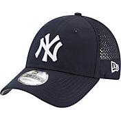 New Era Men's New York Yankees 9Forty Perf Pivot Adjustable Hat