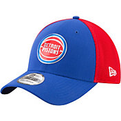 New Era Men's Detroit Pistons On-Court 39Thirty Stretch Fit Hat