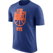 Nike Men's New York Knicks Dri-FIT Royal Cityscape T-Shirt