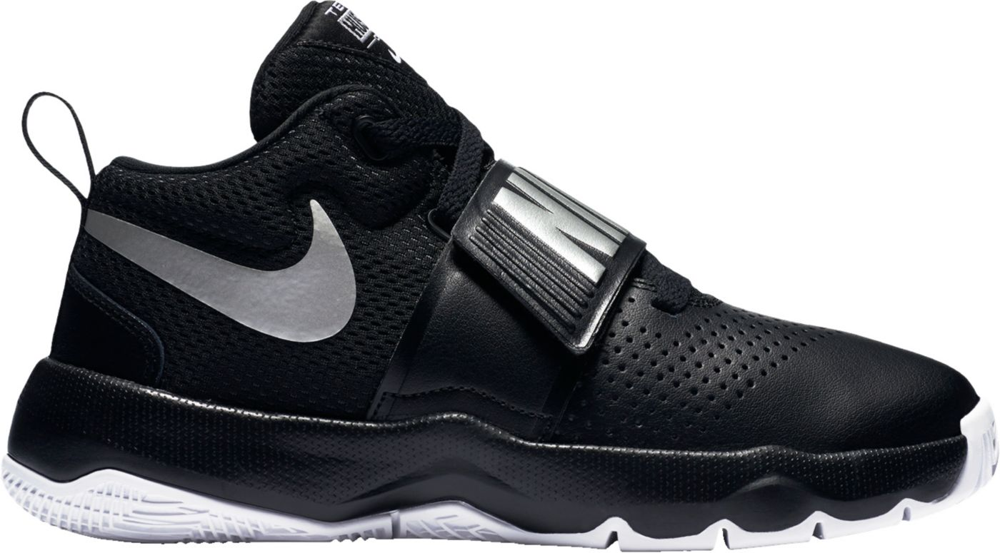 Nike Kids' Grade School Team Hustle D 8 Basketball Shoes
