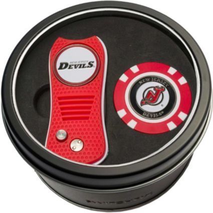 Team Golf New Jersey Devils Switchfix Divot Tool and Poker Chip Ball Marker Set