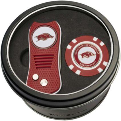 Team Golf Arkansas Razorbacks Switchfix Divot Tool and Poker Chip Ball Marker Set