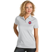 Antigua Women's Detroit Pistons Xtra-Lite White Quest Performance Polo