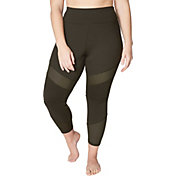 Betsey Johnson Performance Women's Plus Size Pintuck Mesh Panel 7/8 Leggings