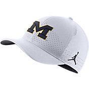 Jordan Men's Michigan Wolverines Aerobill Classic99 Football Sideline White Hat