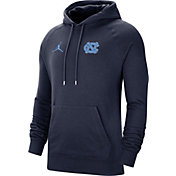 Jordan Men's North Carolina Tar Heels Navy Therma Football Sideline Pullover Hoodie