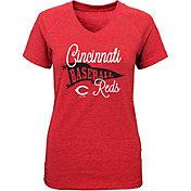 Majestic Youth Girls' Cincinnati Reds Banner V-Neck T-Shirt