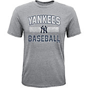 Majestic Youth New York Yankees Hall-of-Fame Tri-Blend T-Shirt