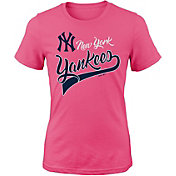 Majestic Youth Girls' New York Yankees Tail Sweep Pink T-Shirt
