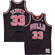 Mitchell & Ness Men's Chicago Bulls Scottie Pippen #33 Hardwood Classics Swingman Jersey