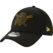 New Era Men's Pittsburgh Pirates 39Thirty Clubhouse Black Stretch Fit Hat