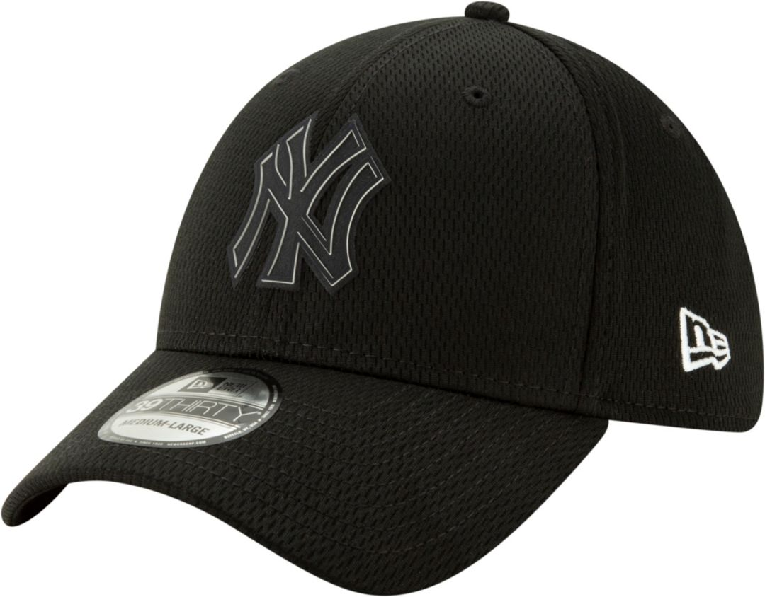 37acf6a2b New Era Men's New York Yankees 39Thirty Clubhouse Black Stretch Fit Hat