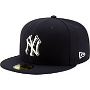 d7d66f50720 Product Image · New Era Men s New York Yankees 59Fifty Metal Thread Fitted  Hat