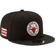 New Era Men's Chicago Bulls 9Fifty On-Court Adjustable Snapback Hat